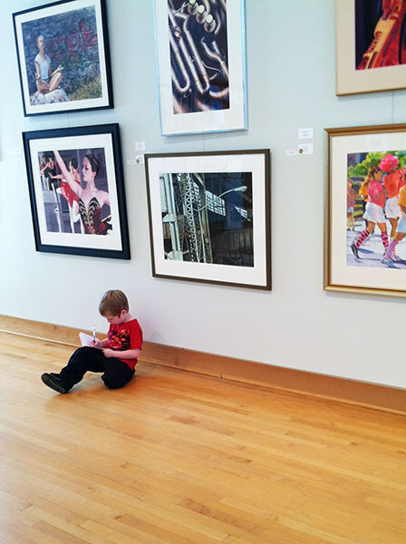 writing-in-the-gallery_web